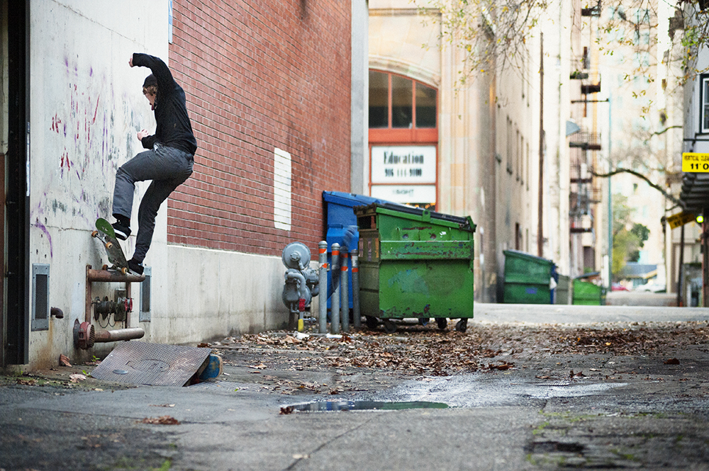 Blue_Turner_Nosegrind_Pop_Out_SACTO_2015_OMEALLY
